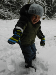 Kiddo throws a snowball